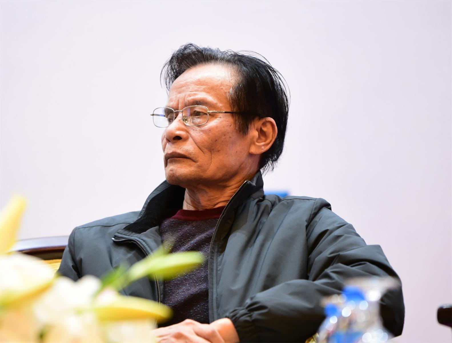 TS. Lê Xuân Nghĩa.