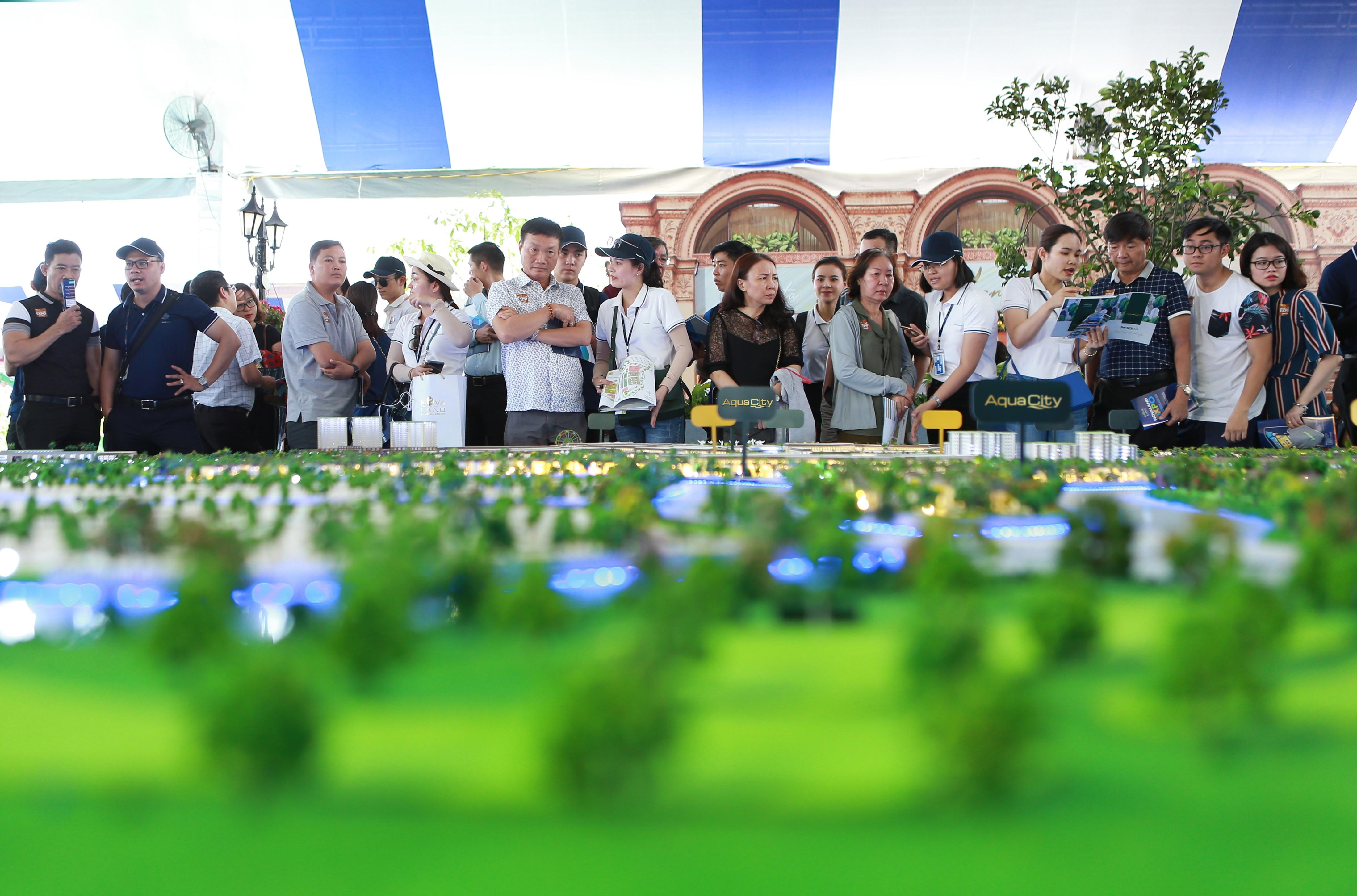 Các dự án bất động sản sinh thái tại đô thị vệ tinh thu hút sự quan tâm của đông đảo khách hàng.