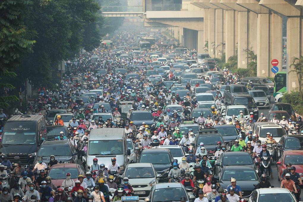 1km đường gánh tới 7 trường đại học, con đường Nguyễn Trãi luôn trong tình trạng ùn tắc, đặc biệt là giờ cao điểm