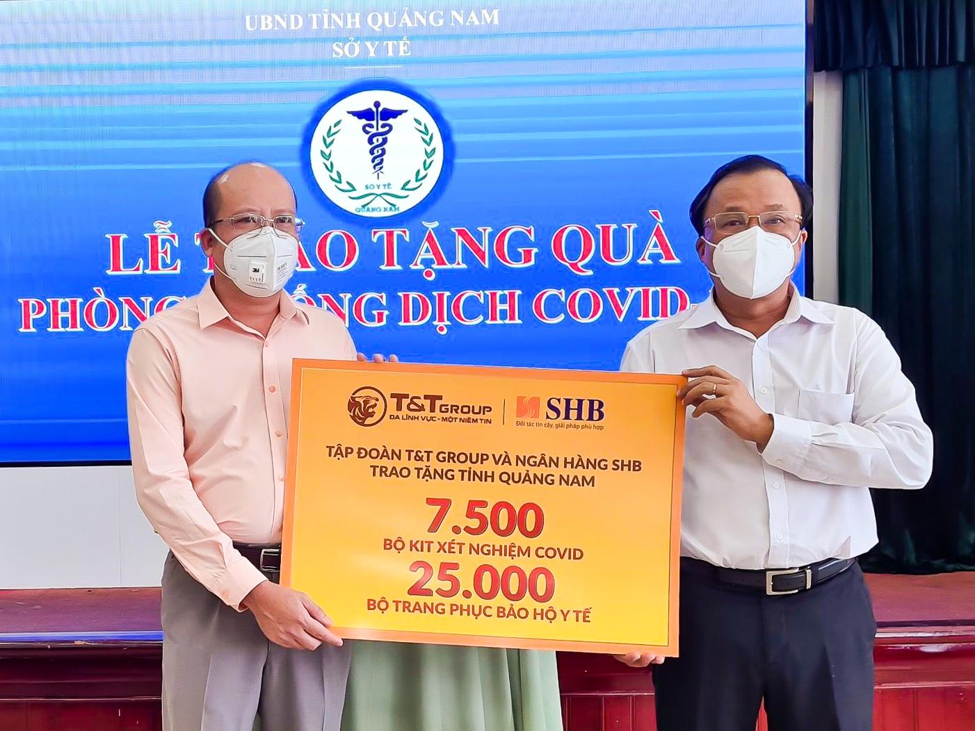 """""""Bầu Hiển"""" tiếp tục ủng hộ hàng ngàn kit xét nghiệm cho Quảng Nam"""