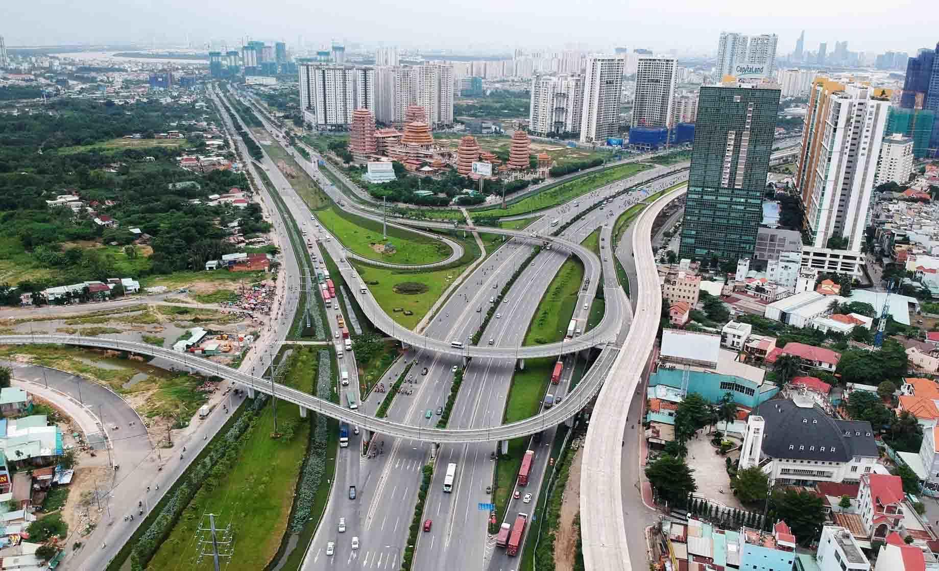 Chủ tịch UBND TP.HCM: Thành phố phía Đông phải đạt chuẩn đô thị loại I