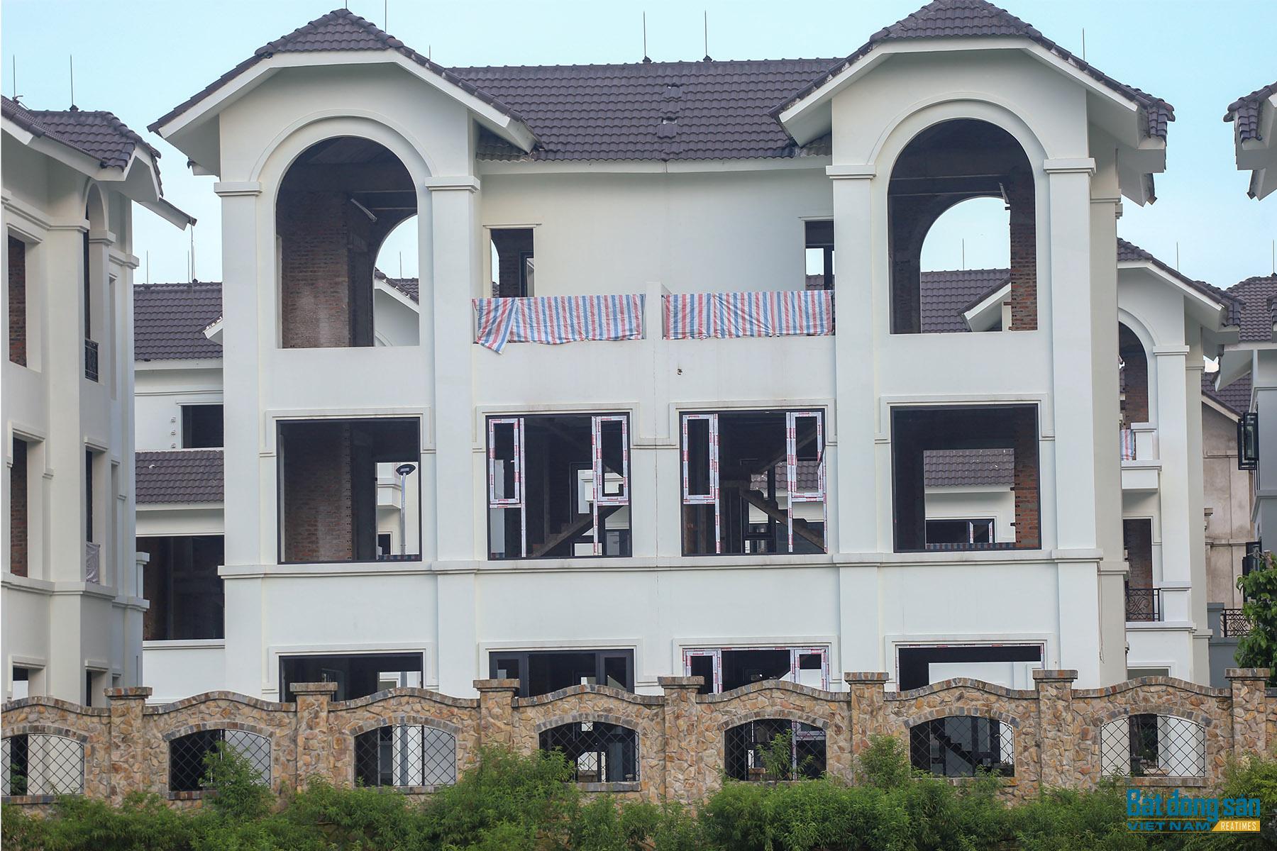 Reatimes_11.png, Dự án 44 căn biệt thự bỏ hoang, làng Đoàn kết