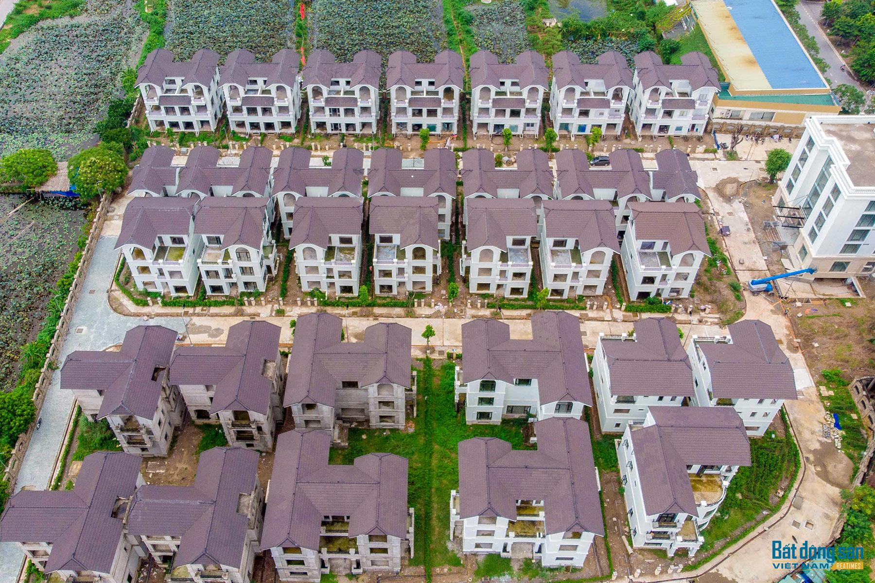 Reatimes_15.png, Dự án 44 căn biệt thự bỏ hoang, làng Đoàn kết