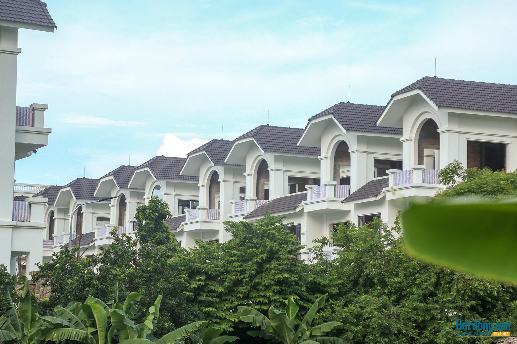 Reatimes_8.png, Dự án 44 căn biệt thự bỏ hoang, làng Đoàn kết