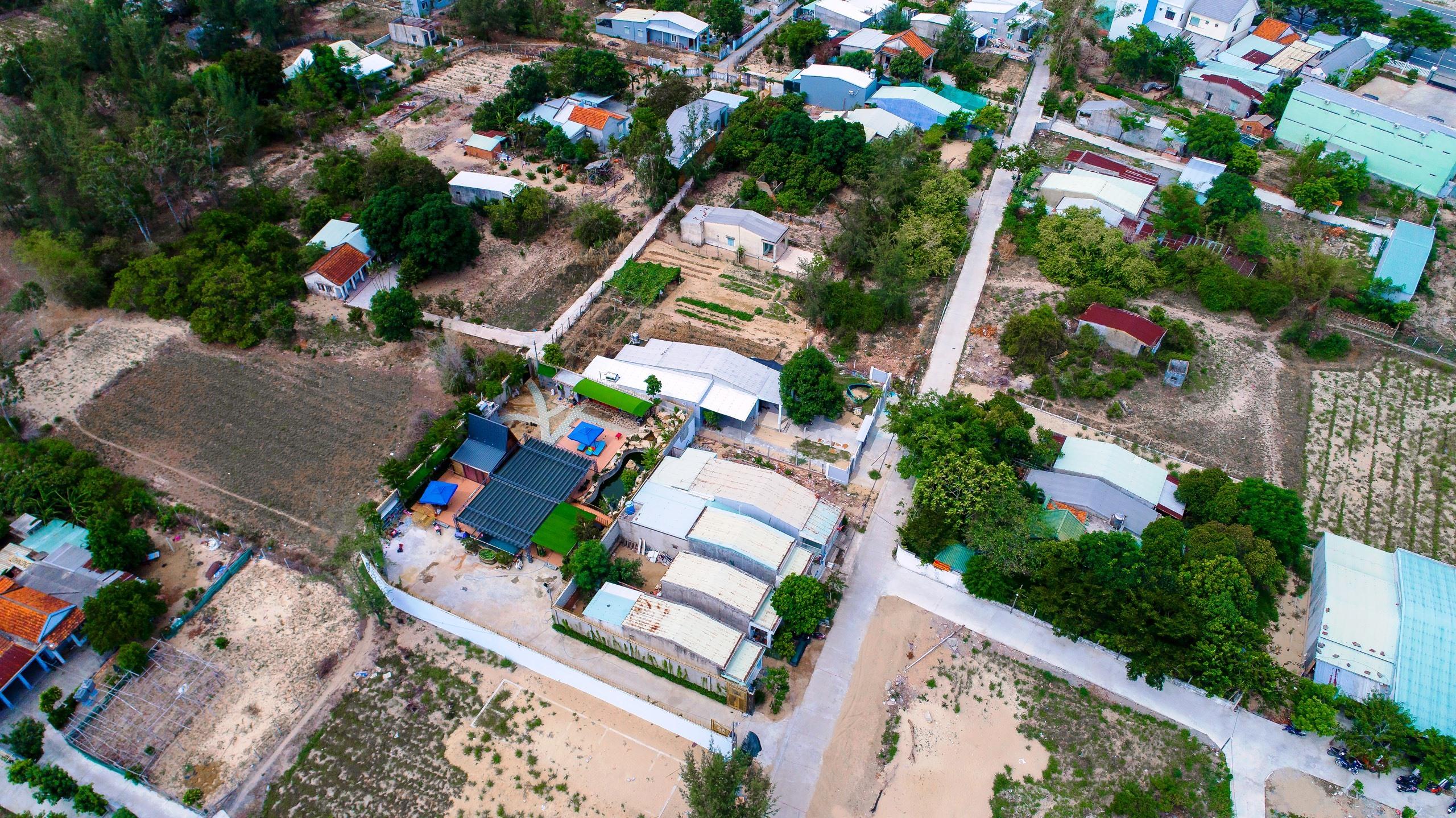Quy hoạch treo xuyên 2 thế kỷ nên việc quản lý hiện trạng tại dự án Làng đại học Đà Nẵng gặp nhiều khó khăn, nhất là tình trạng xây dựng trái phép trong khu quy hoạch