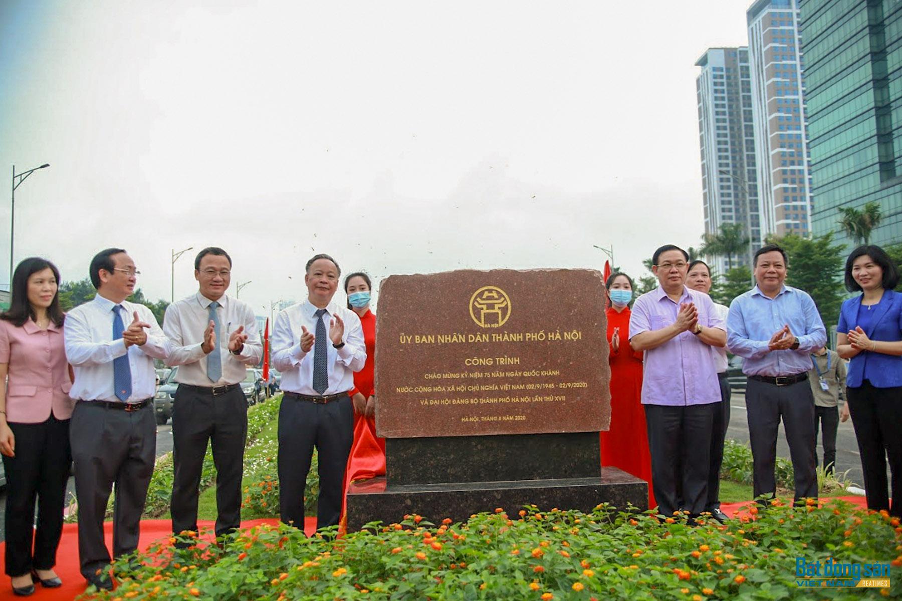 Reatimes_4.png, thông cầu vượt Nguyễn Văn Huyên.