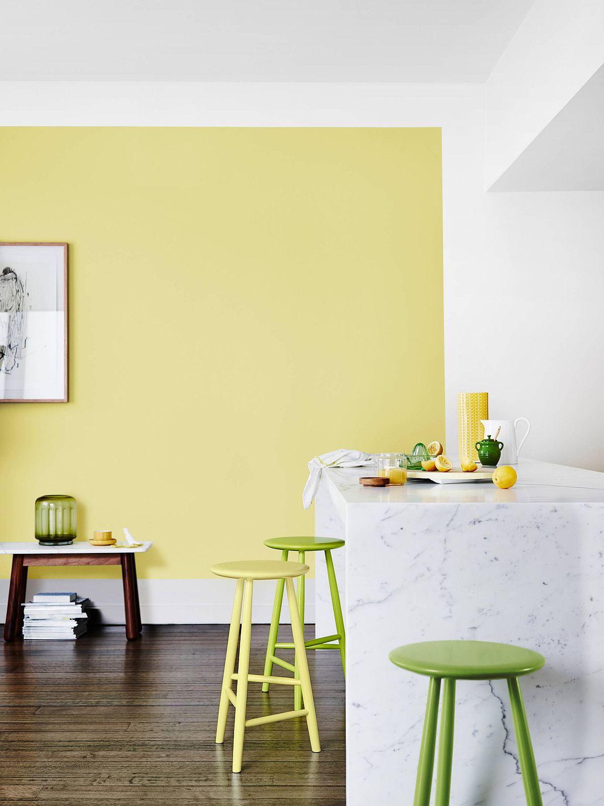 Hãy tạo nên sự kết hợp vàng - xanh của riêng bạn trong một phòng bếp hiện đại.