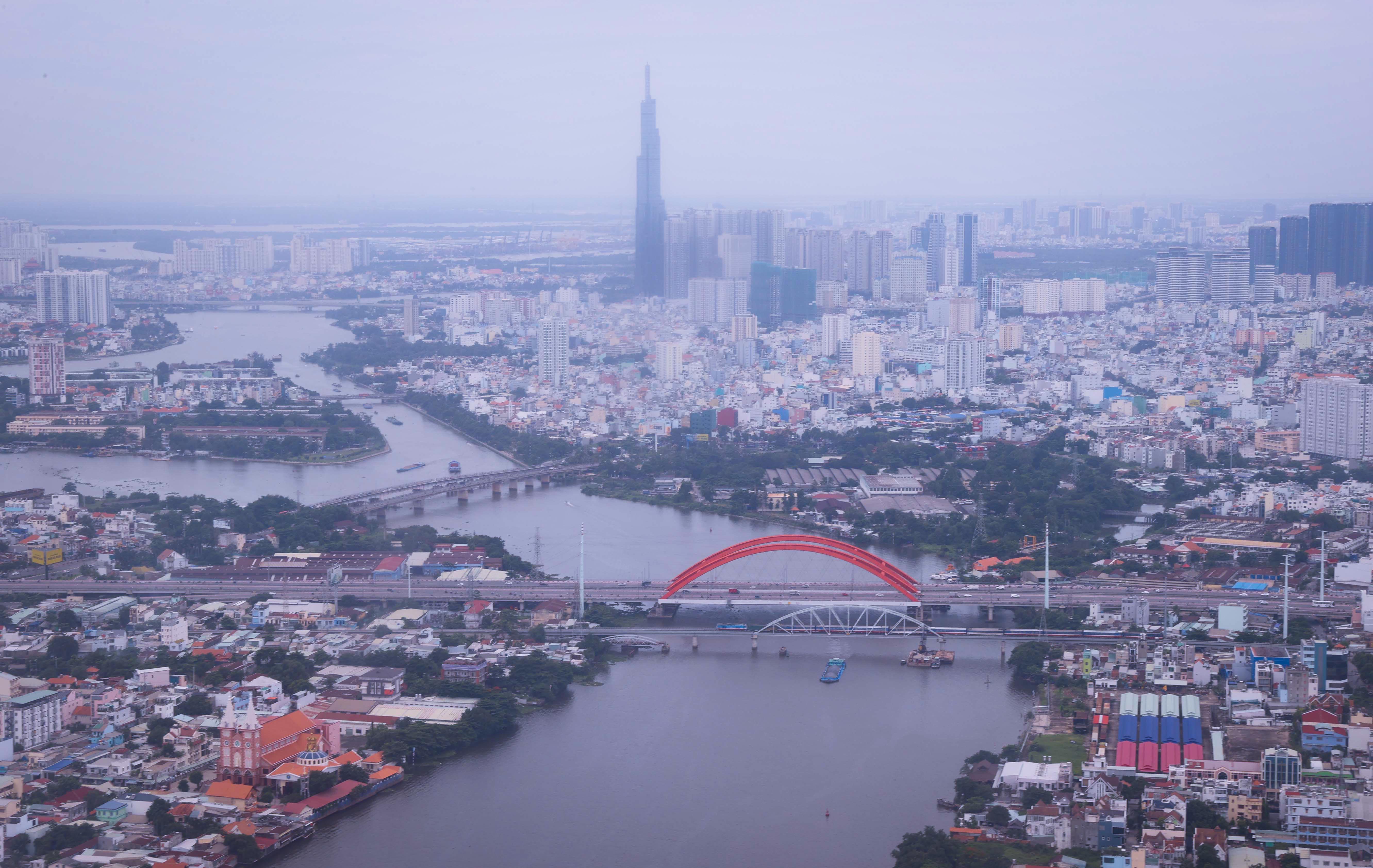 Vi vu sông nước ngắm Sài Gòn từ Water Bus và Gondola